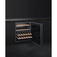 Veinikülmik Smeg, integreeritav tööpinna alla, elektrooniline juhtimine, PAREM, klaasuks, RV teras/must